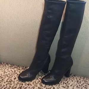Chloe leather stretch boots